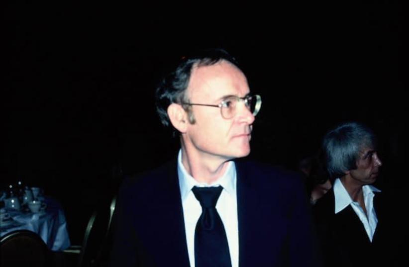 Buck Henry, 1978. (photo credit: ALAN LIGHT/WIKIMEDIA COMMONS)
