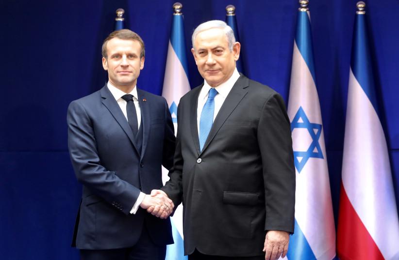 Le Premier ministre israélien Benjamin Netanyahu et le président français Emmanuel Macron se rencontrent avant le 5e Forum mondial de l'Holocauste, le 22 janvier 2020. (crédit photo: MARC ISRAEL SELLEM)