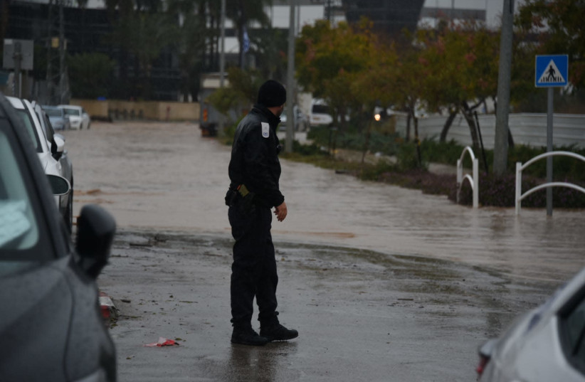 Jerusalem prepares for winter weather as temperatures drop - The Jerusalem Post