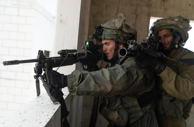 Troupes Golani lors d'un exercice à grande échelle dans le nord d'Israël simulant la guerre avec le Hezbollah. (crédit photo: UNITÉ DE PORTE-PAROLE DE L'IDF)