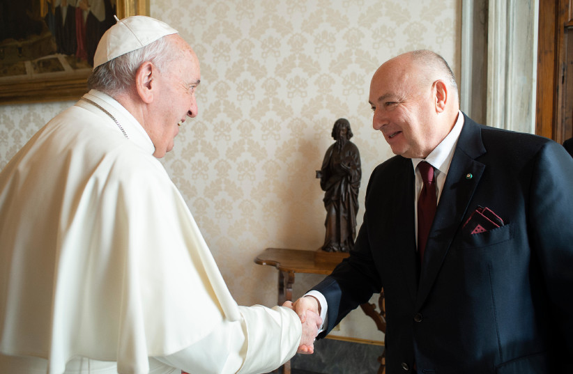 Pope Francis and Dr. Moshe Kantor discuss future World Holocaust Forums - The Jerusalem Post