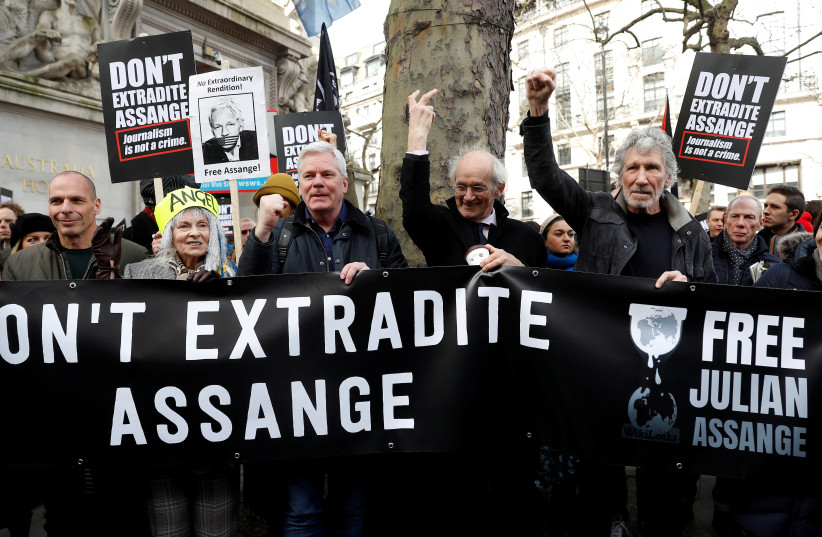 Roger Waters joins Assange supporters in London protest march