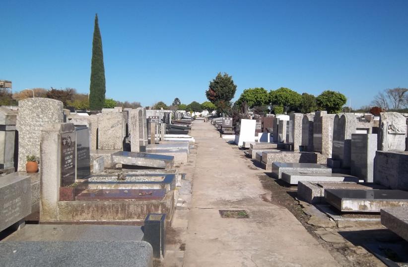 Ancienne partie du cimetière juif de La Tablada, dans la province de Buenos Aires, Argentine (crédit photo: WIKIMEDIA COMMONS / DARIO ALPERN)