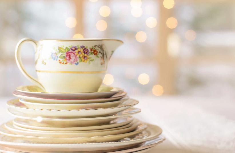 Dishes (photo credit: PIXABAY)