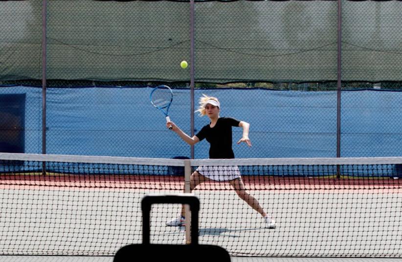 Meet Slinger The Perfect Portable Tennis Partner In A Bag The Jerusalem Post