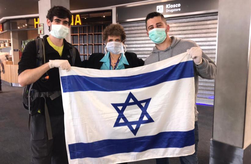 Israelis stranded in Argentina amid coronavirus outbreak return to Israel (photo credit: AMSALEM TOURS)