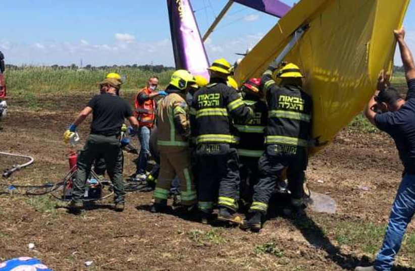 A light plane which crashed near Yakum (photo credit: ISRAEL FIRE AND RESCUE AUTHORITY SPOKESMAN)