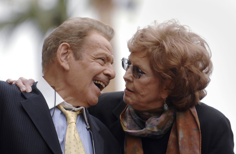 Jerry Stiller and Anne Meara attend a ceremony where the couple is honored with a star on the Hollywood Walk of Fame in Los Angeles, California (photo credit: REUTERS)