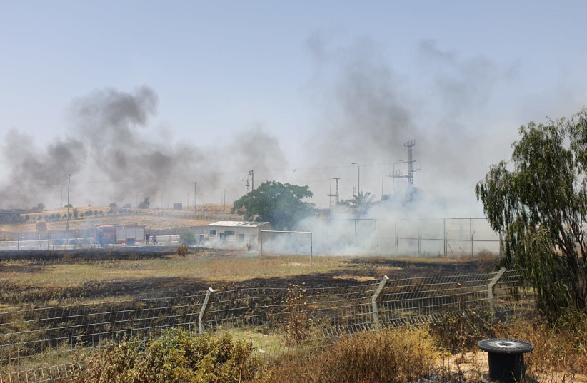 Fire in Rahat, May 20, 2020 (photo credit: FIRE AND RESCUE SERVICE)