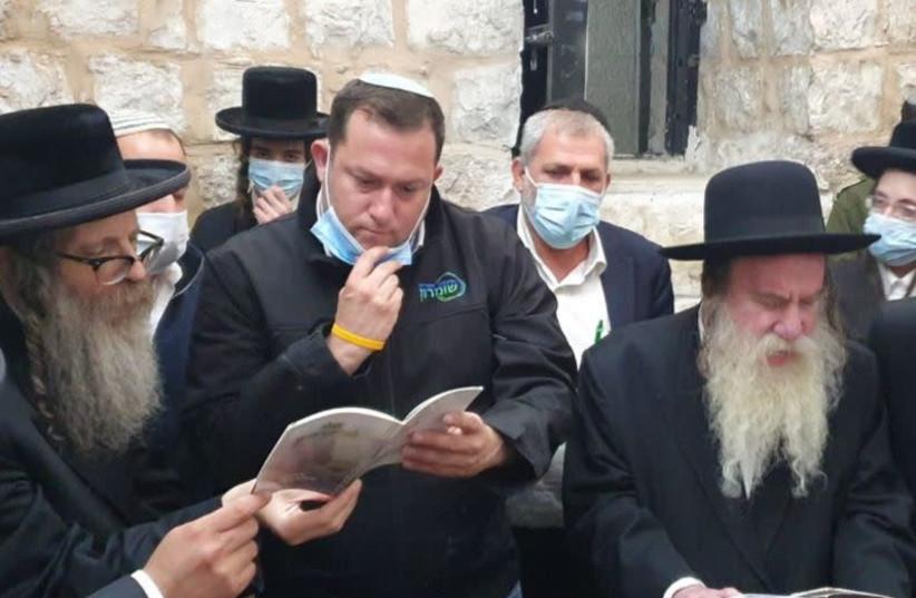 Rabbi Rabbi Gross, Head of the Sumaria Regional Council Yossi Dagan, and Rebbe of the Lulov Hassidic sect at the Tomb of Joseph on Monday, June 22. (photo credit: ROI HADI)