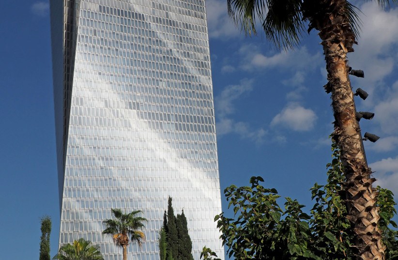 The Azrieli Sarona Tower, the tallest building in Israel (photo credit: WIKIPEDIA)
