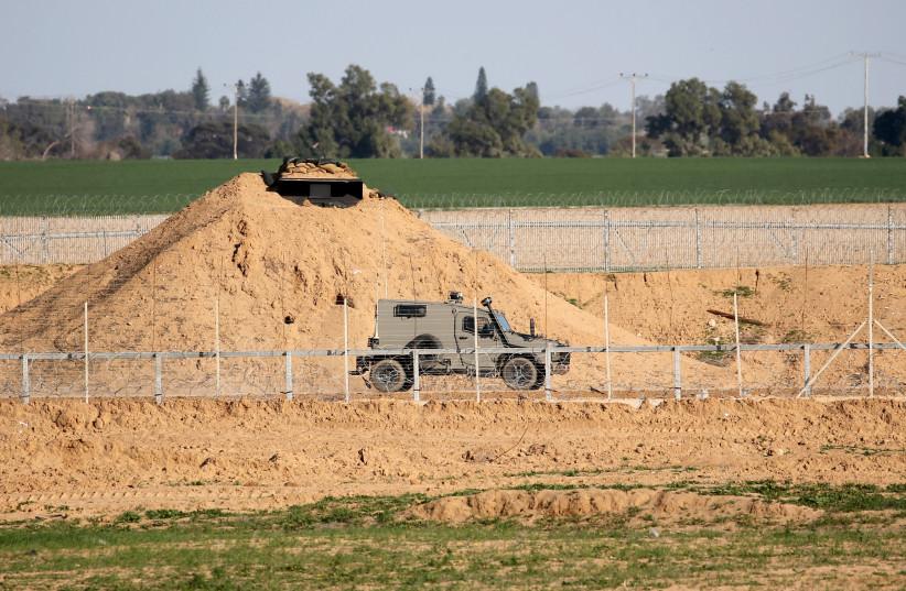 Terrorist infiltrates Gaza border, stabs man in Israeli border town