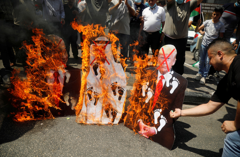 Palestinians fume over Israel-UAE deal - The Jerusalem Post