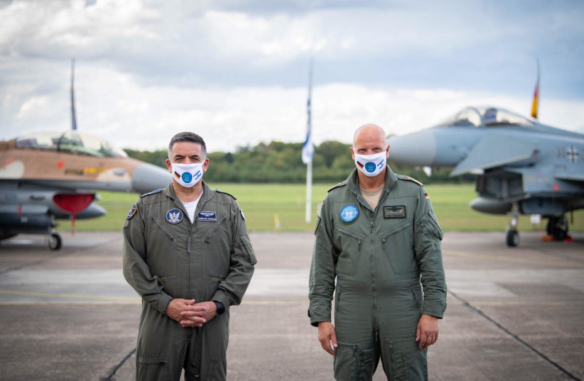 Israeli Air Force Maj. Gen. Amikam Norkin, entered into German airspace for the first time ever and is welcomed by the Luftwaffe Commander, Lt. Gen. Ingo Gerhatz, August 17, 2020 (photo credit: IDF SPOKESPERSON'S UNIT)