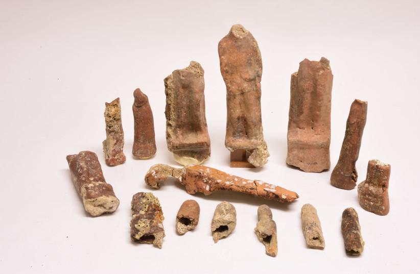 Phoenician figurines (photo credit: JONATHAN J. GOTTLIEB/TANYA SOKOLSKY)