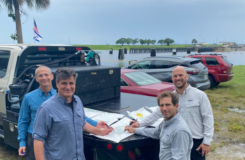 A team of Israeli researchers from BlueGreen arrive at Lake Okeechobee, FL to help curb a toxic algae bloom. (photo credit: BLUEGREEN WATER TECHNOLOGIES)