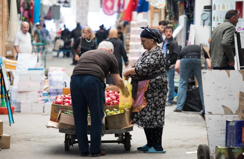 Street life at a bazar in Baku, the capital of Azerbaijan. October 14, 2019.  (photo credit: NATI SHOHAT/FLASH90)