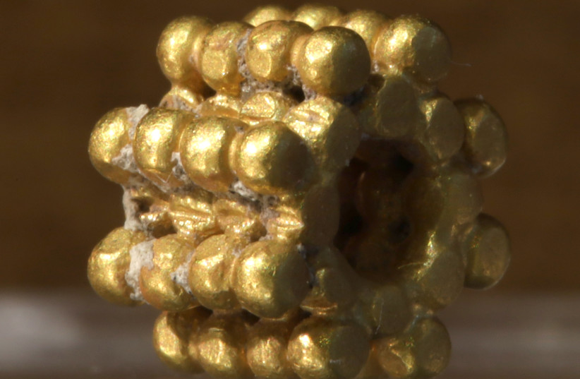First Temple-era gold granule bead (photo credit: TEMPLE MOUNT SIFTING PROJECT)