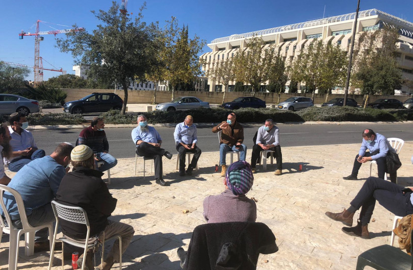 Settlers: If Netanyahu wants votes, he must legalize outposts