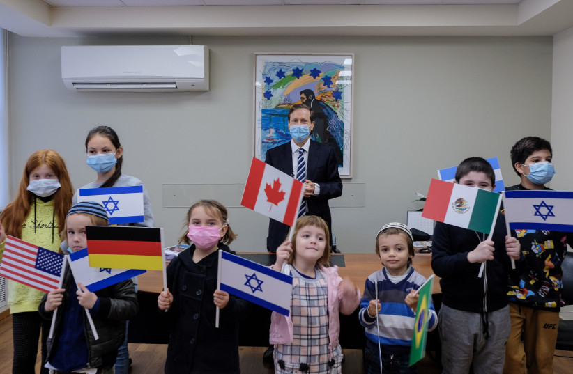 More than 20,000 olim from 70 countries moved to Israel in 2020