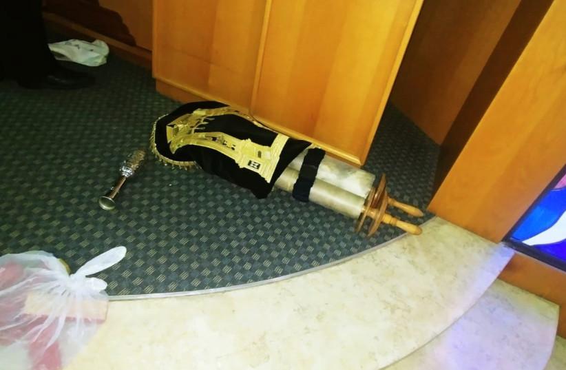 Synagogue broken into in Petah Tikva, Dec. 18, 2021 (photo credit: PETAH TIKVA MUNICIPALITY)