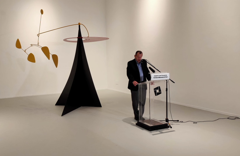 Mayor Ron Huldai speaking in front of a mobile by Calder, on loan from the Israel Muesum.  (photo credit: NERIA BARR)