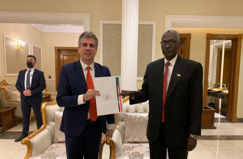 Intelligence Minister Eli Cohen signs an MOU with Sudan's Defense Minister Yassin Ibrahim Yassin (photo credit: INTELLIGENCE MINISTRY)