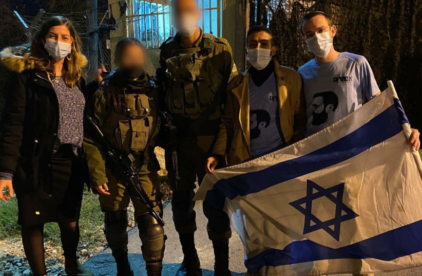Im Tirtzu activists with Corporal L. and Sgt. Y who thwarted the attack (photo credit: IM TIRTZU)