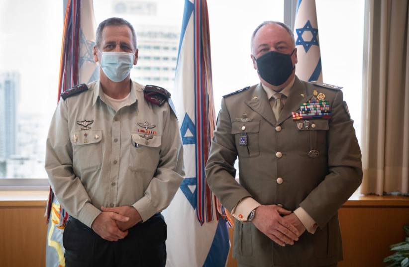 IDF Chief of Staff Aviv Kochavi [L] and UNIFIL Major General Stefano Del Col [R]   (photo credit: IDF SPOKESMAN'S UNIT)