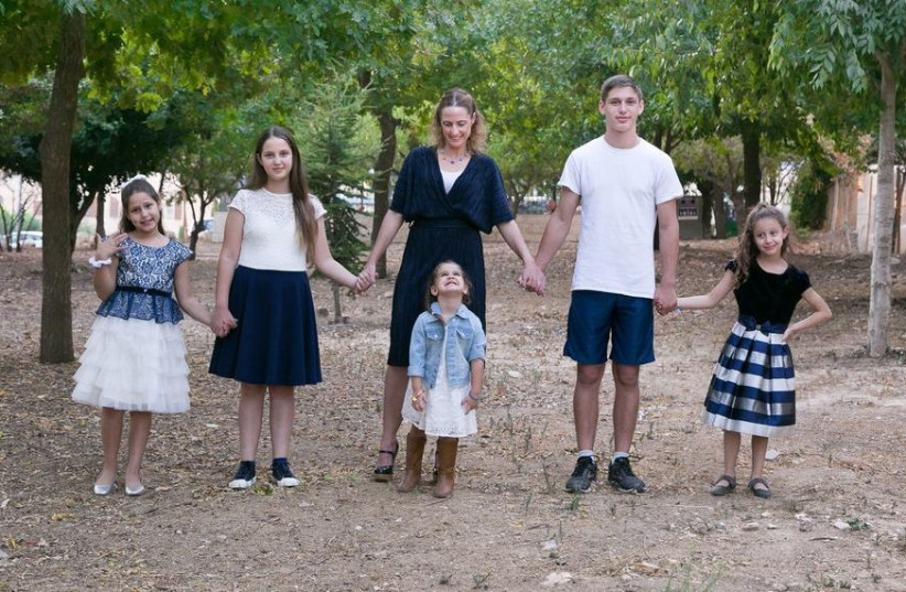 Maayan Jaffe-Hoffman and her 5 children (photo credit: DEVORAH ROSE)