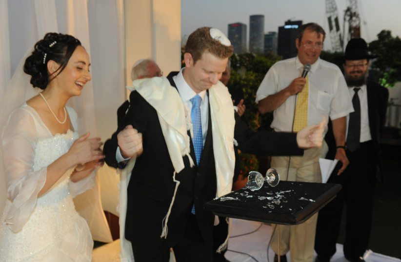 ASSAF SALOMON: Breaking the glass at his wedding with the power of his mind (photo credit: URIEL BAREL)
