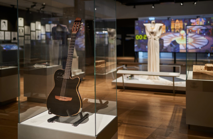 Leonard Cohen's Gibson Chet Atkins guitar is shown at ANU – Museum of the Jewish People (photo credit: SHACHAR AND ZIV KATZ)