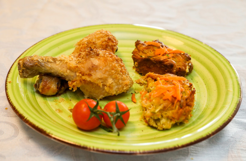 Potato flake chicken  (photo credit: MARC ISRAEL SELLEM)