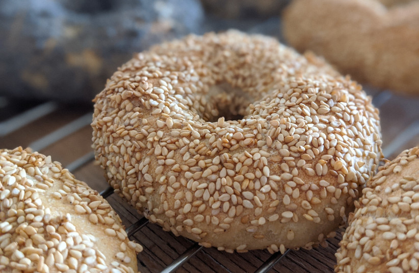 Bagels with sesame seeds (illustrative) (photo credit: SHISMA/WIKIMEDIA COMMONS)