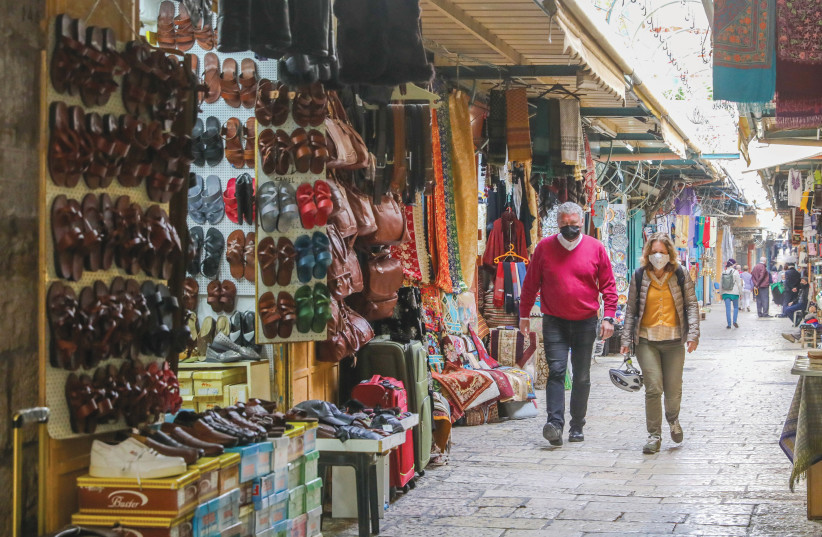 THERE IS virtually no traffic in places that are usually packed with tourists. (photo credit: MARC ISRAEL SELLEM/THE JERUSALEM POST)