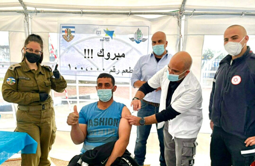 The IDF's Coordinator of Government Activities in the Territories (COGAT), which manages relations with the Palestinians, reported Thursday that it has vaccinated over 100,000 Palestinian workers in two weeks. (photo credit: COGAT SPOKESPERSON'S OFFICE)