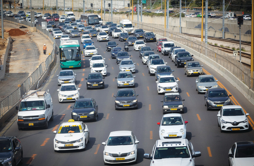 TRAFFIC JAMS on Tuesday, during the week of Passover. (photo credit: MIRIAM ALSTER/FLASH90)