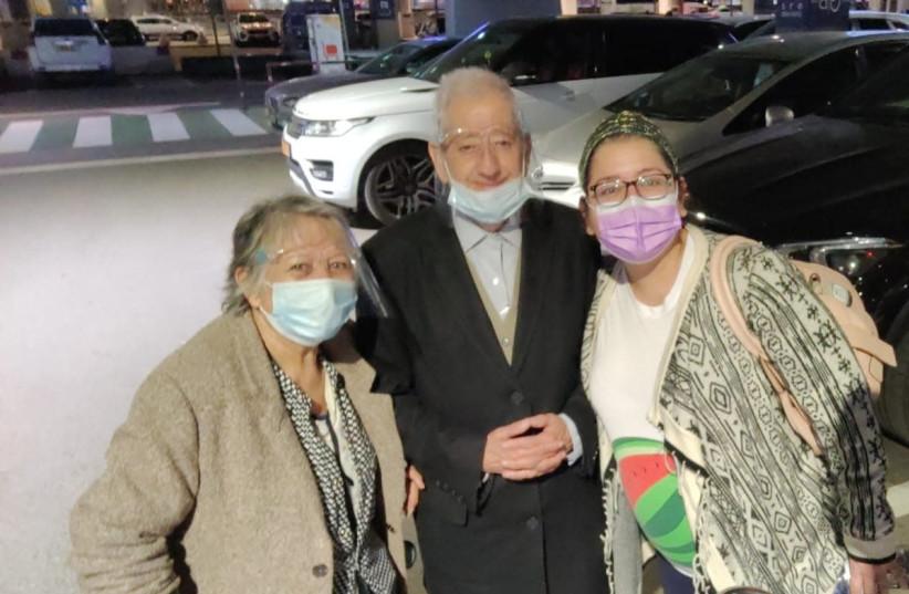 Emilio and Cynthia Morgado (left) after arriving at Ben-Gurion Airport Wednesday morning. (photo credit: COURTESY DANIELLA MORGADO)