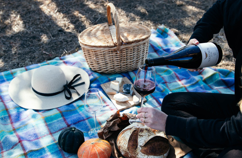 WHEN PREPARING for Yom Haatzmaut, don't forget the wine. Yarden is always a good choice. (photo credit: GOLAN HEIGHTS WINERY)