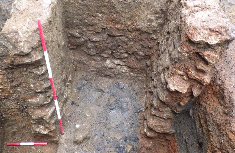 Close-up of latrine structure 3.1, after removal of the south wall. (photo credit: OXFORD ARCHAEOLOGY)