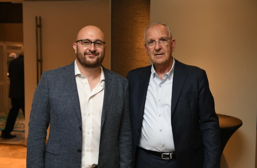 Prof. Shimshon Harel and Prof. Yakoub Hanna (photo credit: OHAD RECHES AND ITAI BELSON / WEIZMANN INSTITUTE O)