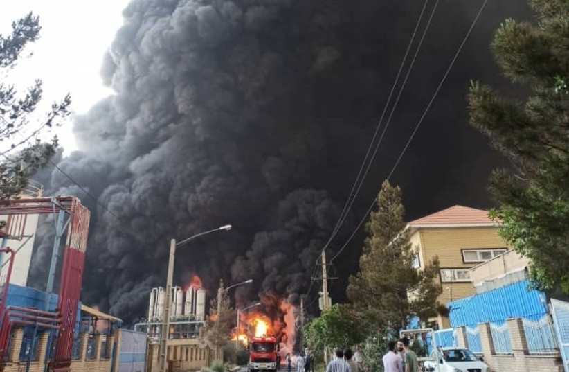 Fire at a petrochemical plant in the Shokuhieh Industrial Town in the Qom Province of Iran (photo credit: TASNIM NEWS AGENCY)