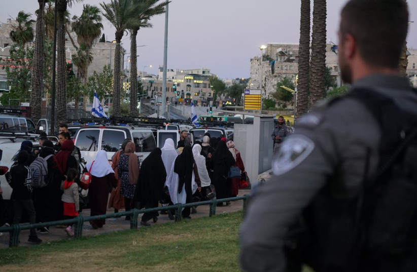 Streets in Jerusalem closed off for Ramadan final Friday prayers. (photo credit: POLICE SPOKESPERSON'S UNIT)