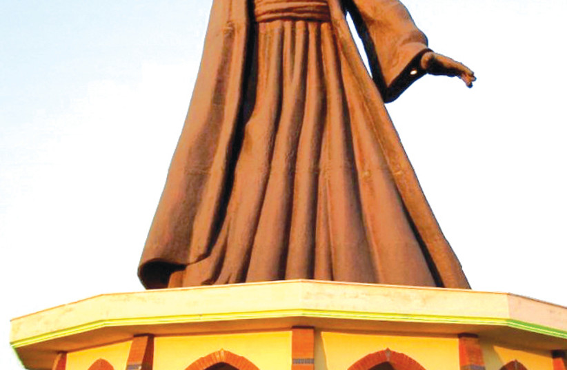 Statue of Rumi (1207-1273) in Buca, Turkey. Photograph by Faik Sarıkaya/wowTURKEY.com. (photo credit: Wikimedia Commons)