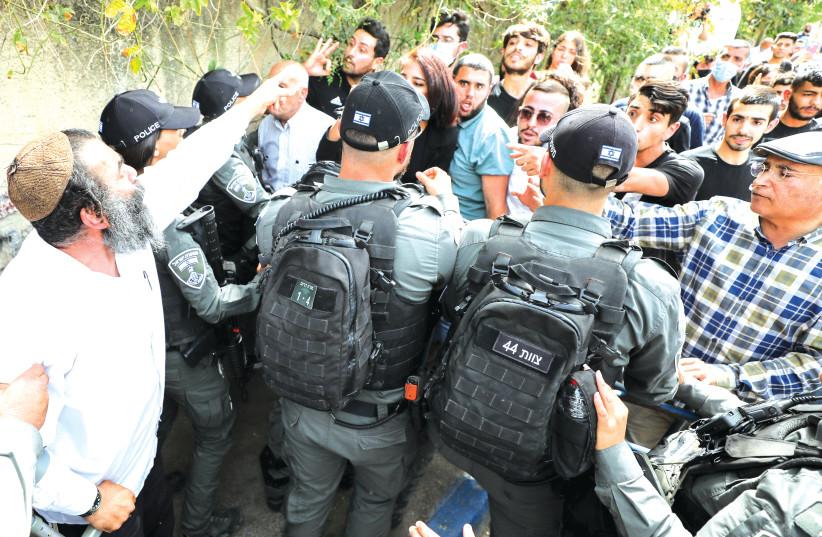 Sheikh Jarrah residents petition High Court against police roadblocks