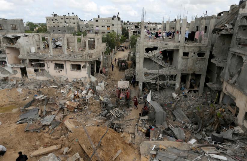 Touring Gaza, UN envoy presses both Israel, Hamas over ceasefire
