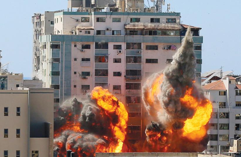 Navi Pillay to head UNHRC's permanent war crimes probe against Israel