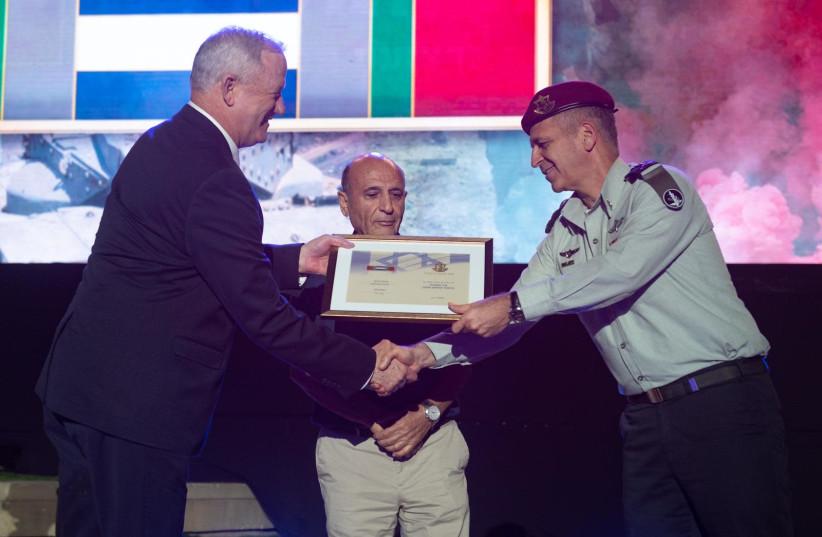 IDF Chief of Staff Lt.-Gen. Aviv Kohavi awarded IDF Chief of Staff Lt.-Gen. Aviv Kohavi awarded campaign tag. (photo credit: IDF)