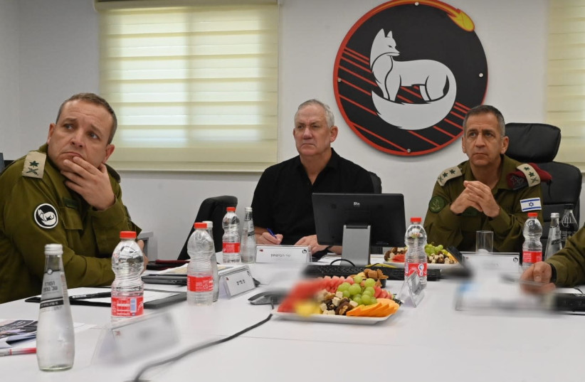 Defense Minister Benny Gantz and IDF chief of staff Aviv Kohavi at a operational briefing in the IDFs Southern Command, June 8, 2021.  (photo credit: ARIEL HERMONI/DEFENSE MINISTRY)