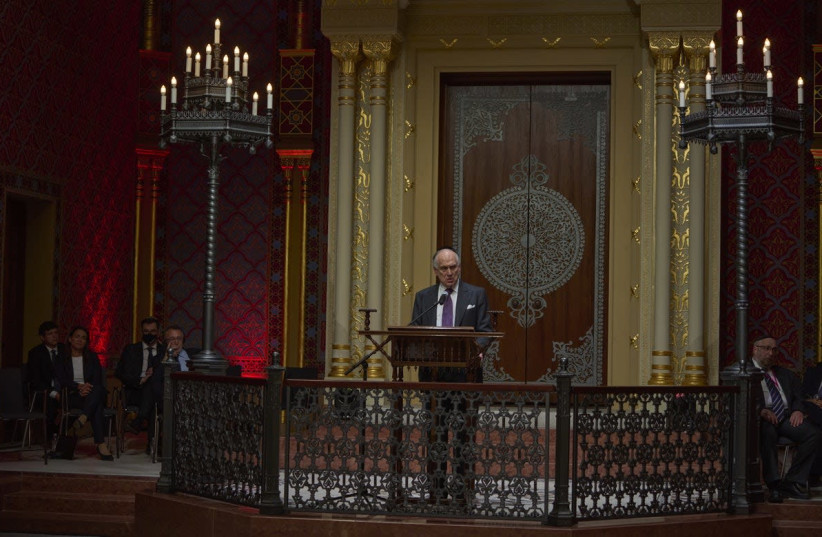 (c) Doron Ritter/For World Jewish Congress: WJC President Ronald S. Lauder delivers remarks at the ceremony marking the reopening of the Rumbach synagogue (photo credit: DORON RITTER)